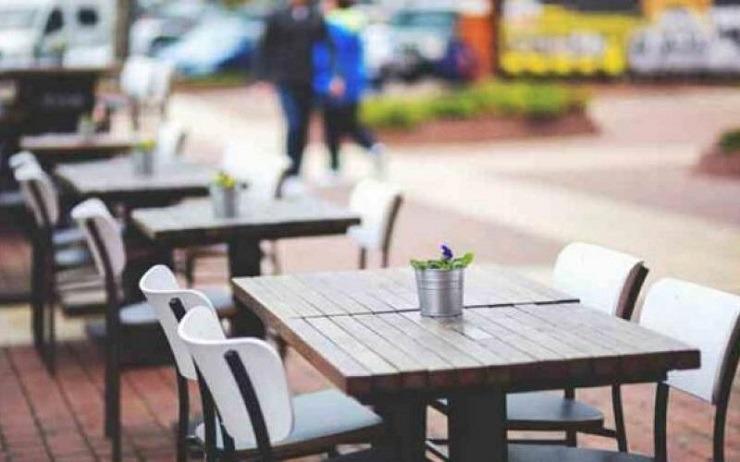 Αιτήσεις στον Δήμο Θηβαίων για δωρεάν παραχώρηση πρόσθετου κοινόχρηστου χώρου για τραπεζοκαθίσματα ή για μείωση τελών χρήσης