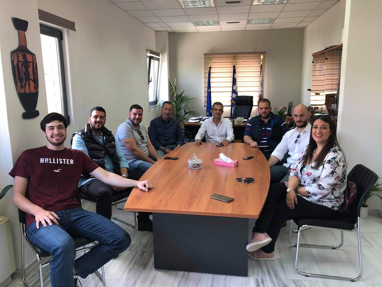 Συνάντηση Δημάρχου Θηβαίων με τα μέλη της ΟΝΝΕΔ Βοιωτίας